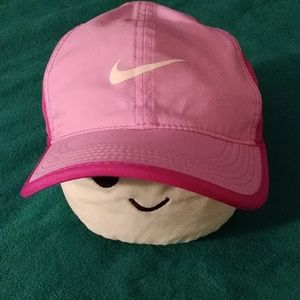 Nike feather light womens cap